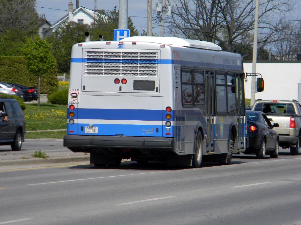 Cobourg Transit 906